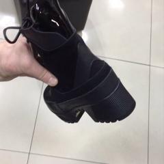 Ботинки Louis Vuitton женские на каблуке