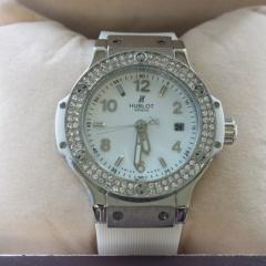 купить женские часы со стразами в Москве интернет магазин