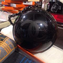 купить клатч Chanel в виде глобуса в интернет магазине