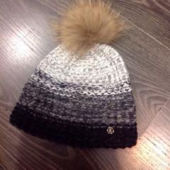купить женскую шапку Bogner
