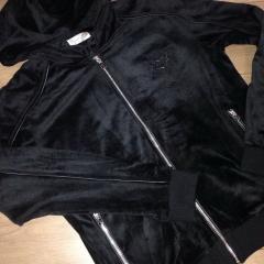 купить мужской велюровый костюм с капюшоном черный цвет